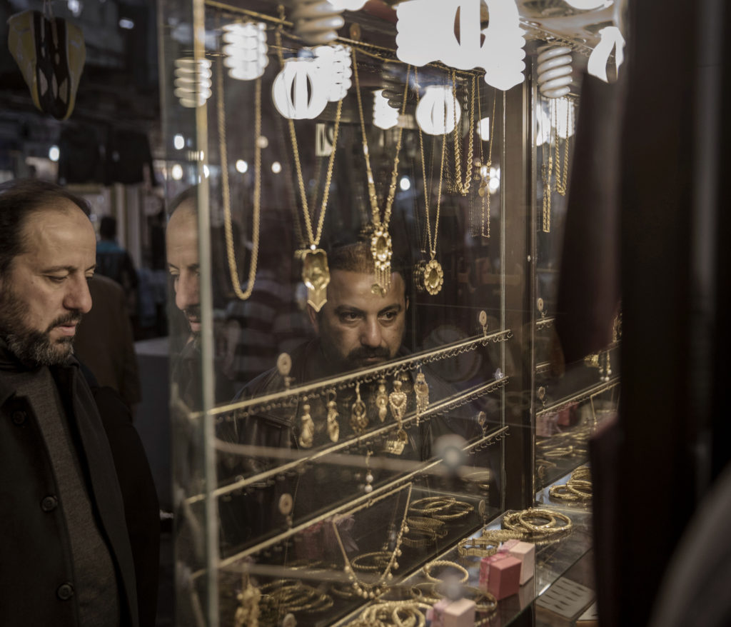 Basaren i Mosul är öppen och kan nu sälja saker som var omöjliga under IS.
