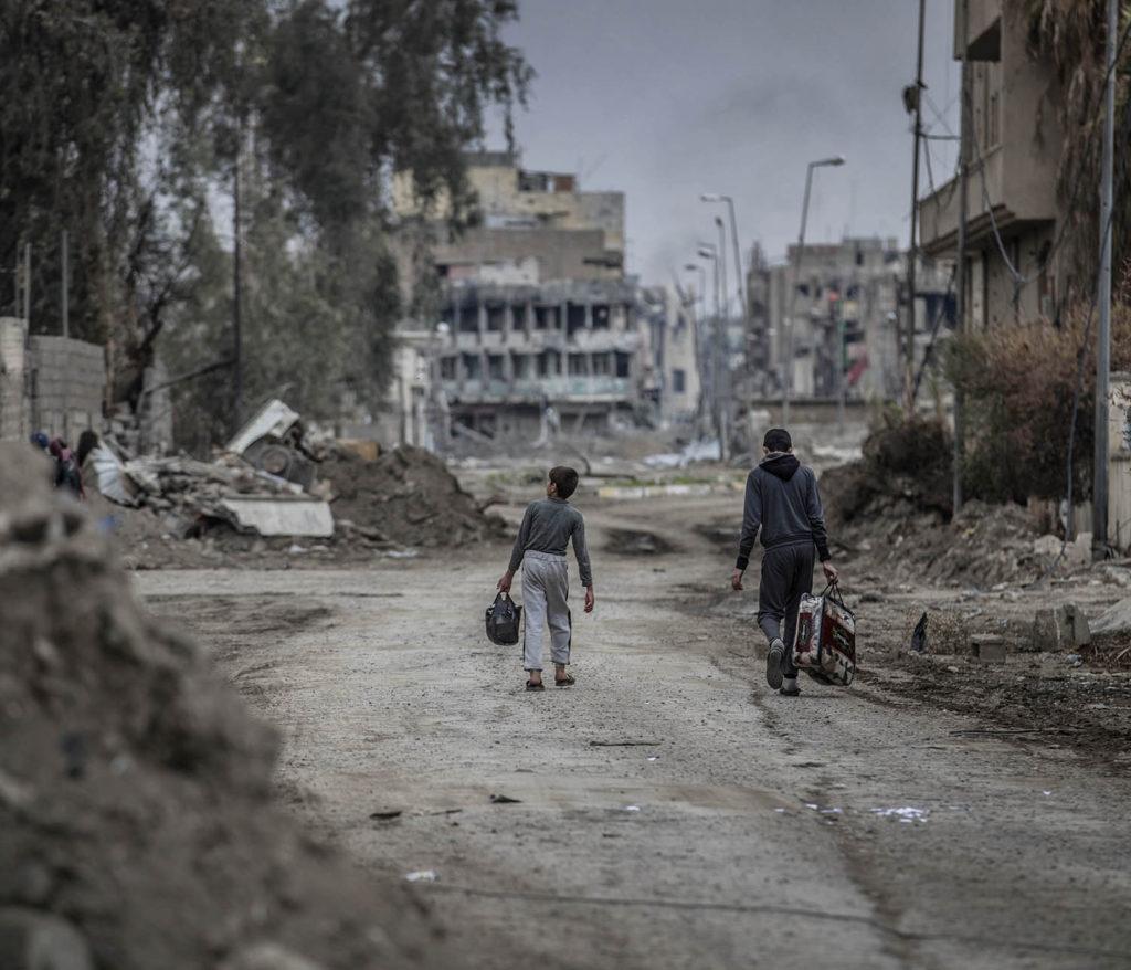 En stadsdel i västra Mosul är totalförstörd efter hårda strider mellan IS och irakiska styrkor. Flyktingar strömmar ut från stadskärnan i takt med att irakiska armen befriar fler områden. Foto: Magnus Wennman